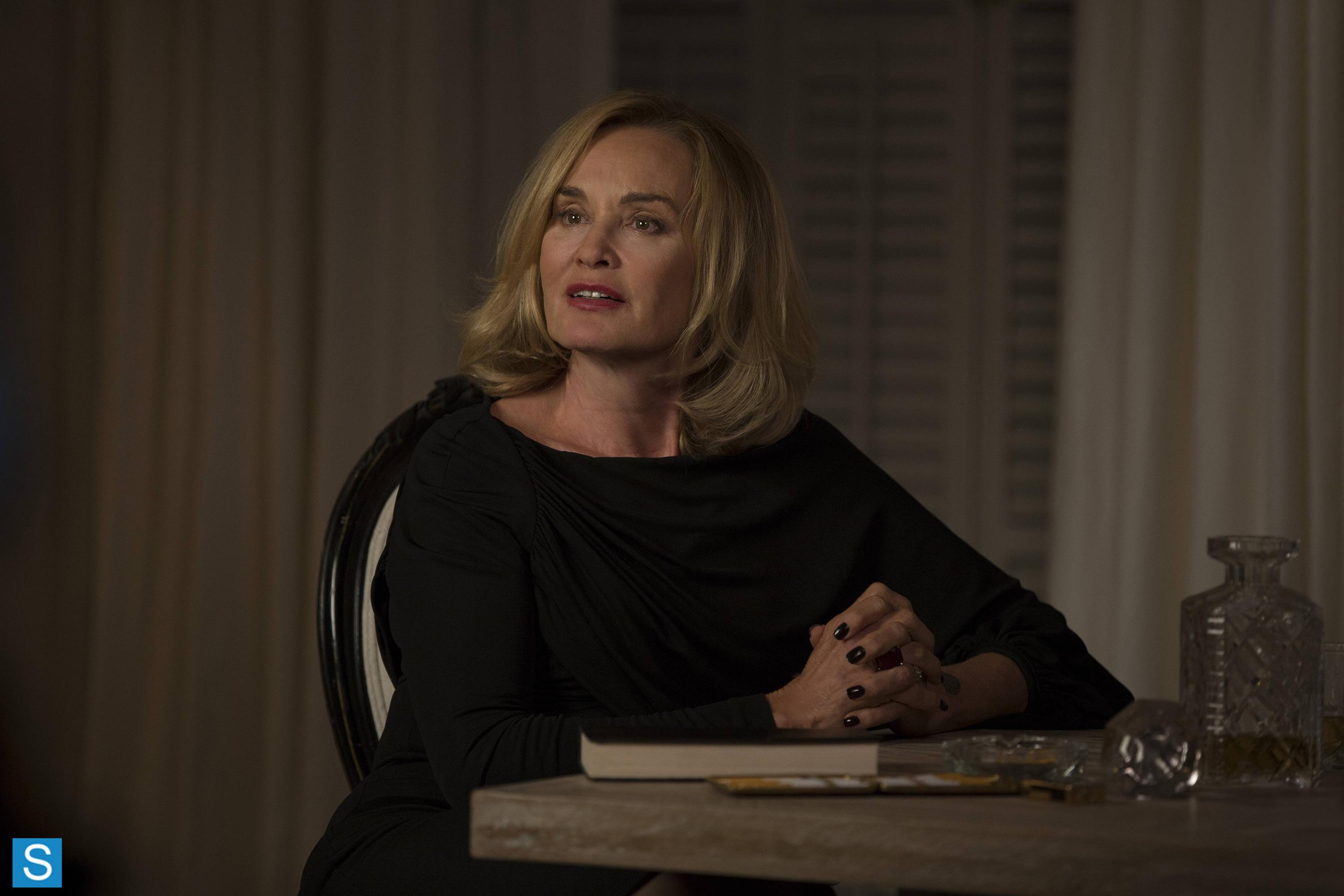 American Horror Story - Episode 3.03 - The Replacements - Promotional Photos (1)_FULL